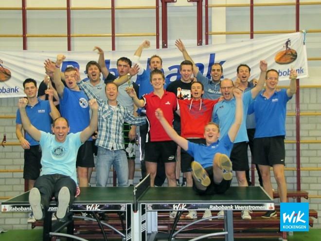 Deelnemersveld tijdens de clubkampioenschappen met Maarten Versloot in het midden, geheel links Martin van Steijn en geheel rechts Tim van Weerdenburg.