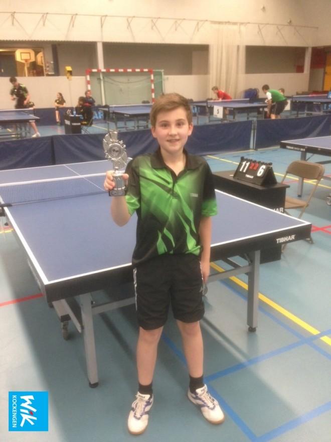 Nick van Dijk toont eerste prijs Nationale ranglijsttoernooi