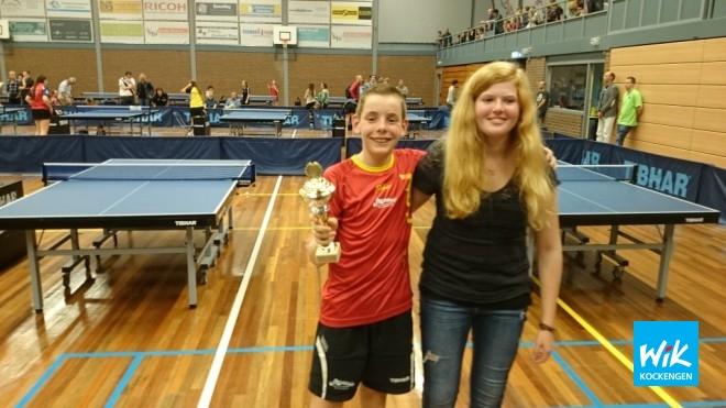 Tim met zijn eerste prijs en coach Nena