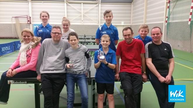 Finalisten Ouder KindToernooi 2018 met Coen en Jacob van Asselt met de hoofdprijs.